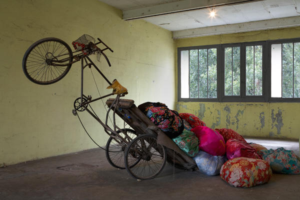 Mumbai: A Laundry Field, Installation at Continua Gallery, Le Moulin